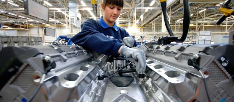 CleanassemblyatFordBridgend.JPG  Engine production at Ford Bridgend